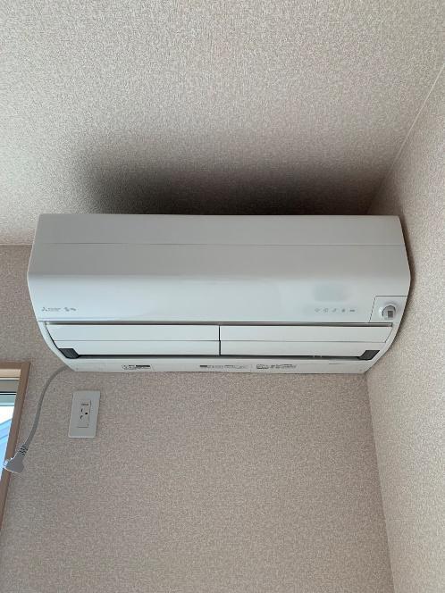 エアコン設置致しました。